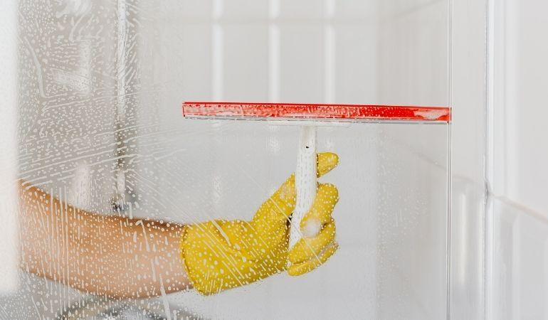 shower screen door cleaning
