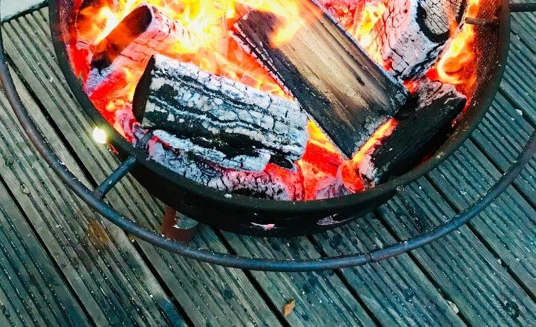 firepit on wooden decking (2)